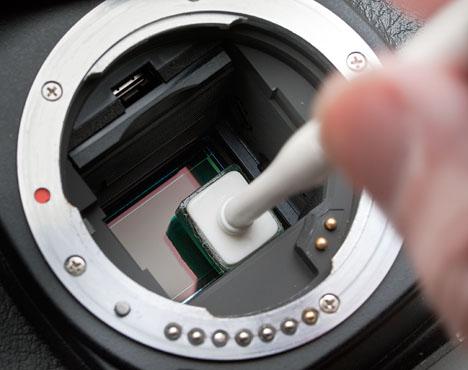 Dettaglio pulizia del sensore tramite eye lead